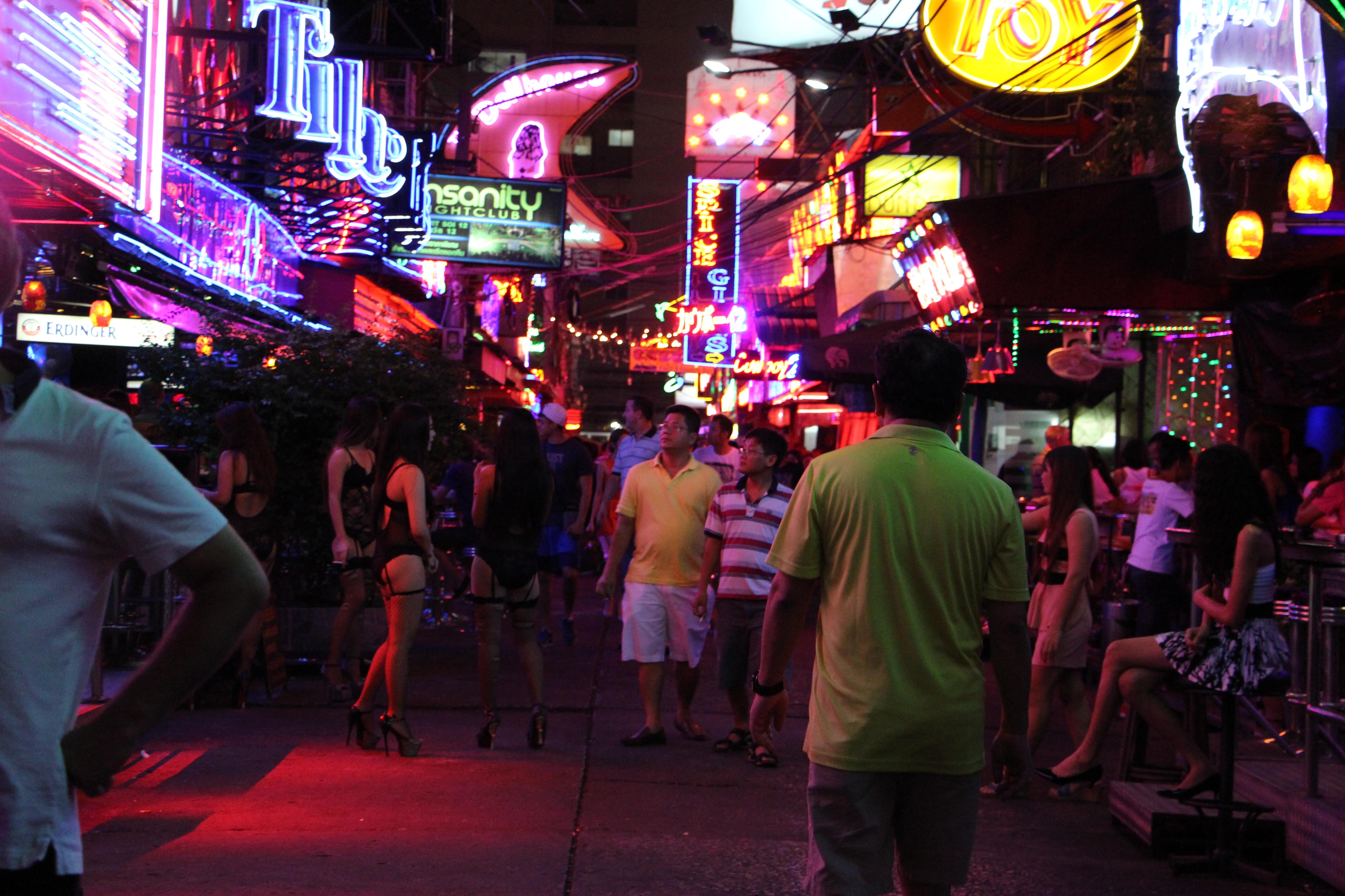 que significa prostituirse bangkok prostitutas